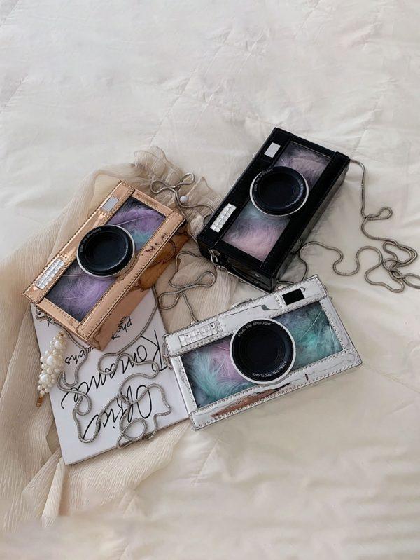 Bolso en forma de cámara con Plumas Bolsos transparente en forma de c  mara con Plumas 600x799